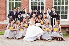 Great for a large bridal party Wedding Poses, Wedding Portraits, Wedding Ideas, Wedding Colors, Wedding Stuff, Perfect Wedding, Dream Wedding, Post Wedding, Marrying My Best Friend