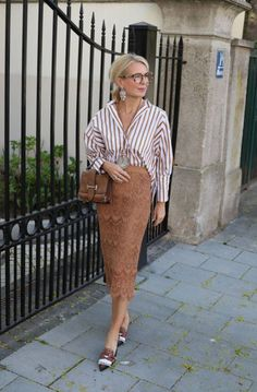 Best Outfits For Women Over 50 - Fashion Trends Fashion For Women Over 40, 50 Fashion, Plus Size Fashion, Fashion Outfits, Fashion Trends, Fashion Stores, Instagram Mode, Outfits Mujer, Business Casual Dresses