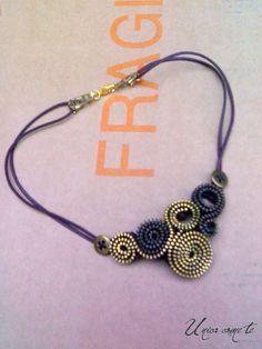 zip bijoux                                                                                                                                                                                 Más
