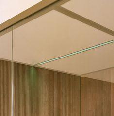 sauna met chromotherapie effegibi Sauna, Elle Decor, Contemporary, Modern, Ceiling Lights, Mirror, Lighting, Interior, Sport