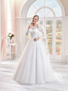 """Résultat de recherche d'images pour """"robe de mariée a manche longue"""""""
