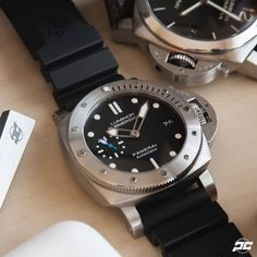 For those who enjoy the submersible but want to take it down a few notches in case size. Here is the Luminor Marina Submersible. Panerai Submersible, Scuba Watch, Luminor Marina, Panerai Watches, Smart Watch, Clothes, Accessories, Black, Clocks