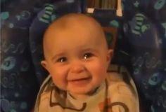 Bebé se emociona hasta las lágrimas por el canto de su mamá http://www.papaviral.com/videos/bebe-se-emociona-hasta-las-lagrimas-por-el-canto-de-su-mama.html