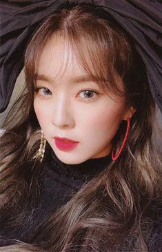 Bae Joohyun is so beautiful Red Velvet アイリーン, Red Velvet Seulgi, Red Velvet Irene, Kpop Girl Groups, Korean Girl Groups, Kpop Girls, Swagg, Photo Cards, Girl Crushes