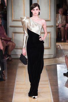 """Venice Film Festival: Cate Blanchett in Armani Privé at the """"Suspiria"""" Premiere Haute Couture Designers, Haute Couture Gowns, Couture Mode, Style Couture, Couture Dresses, Couture Fashion, Runway Fashion, Fashion Dresses, Couture Week"""