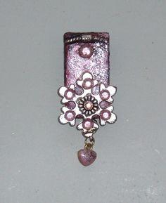 Unika håndlavet køleskabsmagnet. Fridge Magnet decorated on domino.