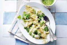 Door asperges te stomen behouden ze de meeste smaak. Wij bedachten er een friszure kruidendressing bij - Recept - Allerhande