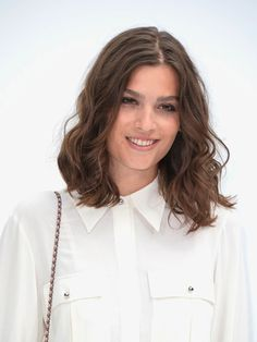 Chic and Messy - Shoulder length messy hairstyles.  Hard for me to get this look but I like it.  The messy part works well with this.