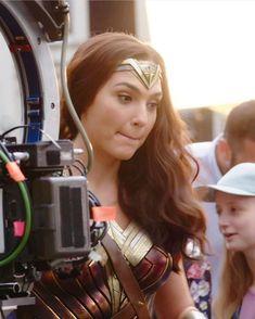 That face is a mood tho. << I feel that Diana, Gal Gardot, Black Manicure, Wander Woman, Gal Gadot Wonder Woman, Blush Pink Dresses, Woman Movie, Cute Woman, Actors & Actresses
