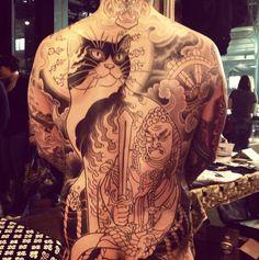 Horitomo Monmon cats Tattoo Skin, Cat Tattoo, Body Art Tattoos, Pretty Tattoos, Cool Tattoos, Japanese Cat, Tattoo Japanese, Respect Tattoo, Traditional Japanese Tattoos