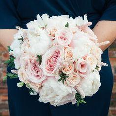 The joys of Sweet Avalanche! Bouquet by @paperwhitefloradesign . . . #meijerroses #flowers #flowerstagram #flowerpower #weddings #weddinginspiration #flowerslover #weddingflower #weddingideas #bride #flowermagic #weddingday #weddingstyle #weddingtime #weddinginspo #weddingseason #bridetobe #photooftheday #weddings #weddingdecor #weddingparty #flower #flowerstalking #bohowedding #rusticwedding