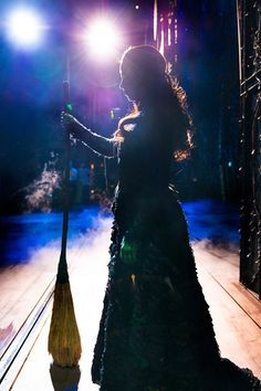 Backstage at WICKED at London's Apollo Victoria Theatre ♡ Elphaba http://www.lovetheatre.com/tickets/1085/Wicked?sid=PIN