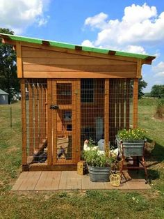 Very nice looking chicken hutch