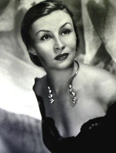 Argentinian actress and singer. Divas, Margaret Bourke White, Vintage Beauty, Famous People, Mona Lisa, Dancer, The Past, Glamour, American