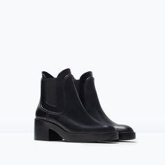 ZARA - NEW THIS WEEK - TRF FLAT ANKLE BOOT