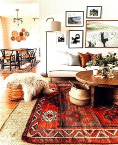 Home Interior Design - Vintage Teppiche - Hause Deko Ideen - Hints for Women Design Furniture, Vintage Furniture, Vintage Rugs, Industrial Furniture, Home Interior Design, Interior Decorating, Modern Interior, Decorating Ideas, Casa Top