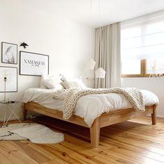 Pierre Papier Scissors: Inside Noémie - Clem Around The Corner - - Home Bedroom, Bedroom Wall, Bedroom Decor, Scandinavian Style Bedroom, New Beds, White Bedding, Minimalist Bedroom, My New Room, Home Interior Design