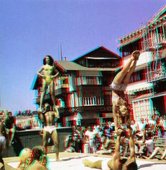 Gymnasts at Santa Monica's Muscle Beach, anaglyph 3D by Harold Lloyd, in the 50's.