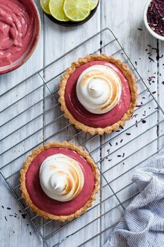 Hibiscus Strawberry Curd Tart with Toasted Meringue (gluten-free) Hibiscus Strawberry Curd Tarts with Toasted Meringue {gluten-free} Tart Recipes, Sweet Recipes, Baking Recipes, Dessert Recipes, Fruit Recipes, Slow Cooker Desserts, Just Desserts, Delicious Desserts, Yummy Food