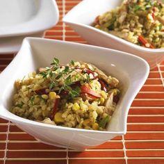 Egy finom Bulgursaláta grillezett zöldségekkel és csirkemellel ebédre vagy vacsorára? Bulgursaláta grillezett zöldségekkel és csirkemellel Receptek a Mindmegette.hu Recept gyűjteményében!