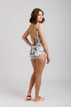 Buy the Cottesloe Swimsuit and Bikini sewing pattern from Megan Nielsen. This pattern includes two classic swimsuits and two mix and match bikini sets. High Waisted Bikini Bottoms, Bikini Tops, Swimsuit Pattern, Swimsuits For Curves, Mix And Match Bikini, Sewing Blogs, Couture, Beautiful Patterns, Bikini Set