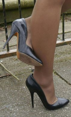 Just Boots and High Heels: Black pumps and suntan pantyhose - pantyhose heels Sexy High Heels, Black High Heel Pumps, Beautiful High Heels, Sexy Legs And Heels, Hot Heels, Black Heels, Pumps Heels, Stiletto Heels, Black Boots