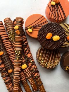 We can ship these soon and we are still taking Thanksgiving orders! This listing. Chocolate Covered Treats, Chocolate Dipped Oreos, Chocolate Covered Strawberries, Halloween Chocolate, Halloween Treats, Halloween Baking, Thanksgiving Desserts, Fall Desserts, Homemade Chocolate
