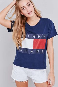 UO Exclusive Tommy Jeans Cropped Square Navy T-shirt