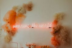 The biggest 2019 wedding trends spotted at Modern Love Event San Diego - 100 Layer Cake Peach Wedding Colors, Industrial Wedding Venues, Cake Blog, Modern Love, Wedding Signage, How To Make Light, Color Of The Year, Event Venues, Wedding Trends