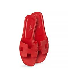 Oran Hermes ladies' sandal in Epsom calfskin with leather sole, leather lining red Fancy Shoes, Red Shoes, Sock Shoes, Me Too Shoes, Shoe Boots, Red Flats Outfit, Sandals Outfit, Hermes Oran Sandals, Hermes Shoes