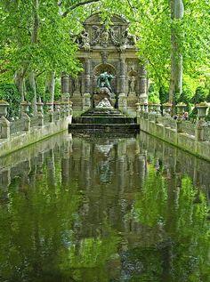 Park Pond, Paris France