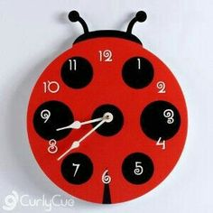 Clock Craft, Diy Clock, Clock Ideas, Unusual Clocks, Cool Clocks, Wooden Clock, Gifts For Office, Fused Glass, Diy For Kids