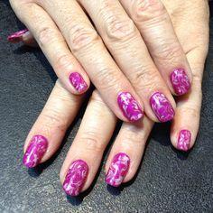 Marbled shellac nails