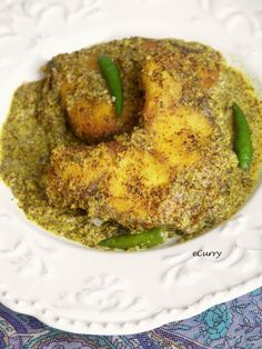 Bengali Shorshe Maach/Fish in Mustard-Chili Sauce Bangladeshi Food, Bengali Food, Bengali Fish Recipes, Indian Food Recipes, Mustard Recipe, Fish Curry, What To Cook, Fish And Seafood, Chili