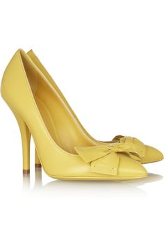 These shoes are to die for - fabulous yellow color - subtle and stylish. Want them!  Bottega Veneta | Bow-embellished leather pumps