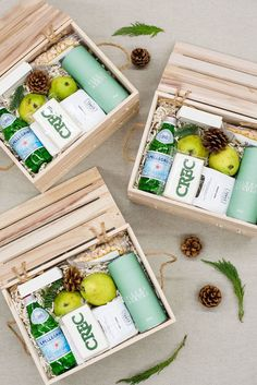 How to Make your Corporate Swag feel More Personal? Create a custom gift to show your appreciation for your clients and co-workers. Corporate Gifts . Client Gifts . Gift Boxes . Gift Ideas . Boss Gift . Image by Lissa Ryan Photography #appreciationgifts