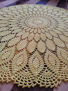 Eliane Modesto's media content and analytics Crochet Tablecloth Pattern, Crochet Doily Patterns, Crochet Doilies, Crochet Stitches, Stitch Patterns, Filet Crochet, Crochet Lace Edging, Crochet Diagram, Crochet Vintage