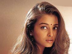 But really, brows. Miss World Aishwarya Rai-Bachchan