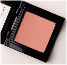 Bobbi Brown Nude Peach Blush <-- I think I'm going to get this next! Makeup Dupes, Makeup Cosmetics, Eye Makeup, Blush Makeup, Makeup Products, Beauty Products, Beauty Bar, Beauty Shop, Beauty Make Up