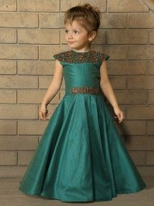 Designer Gowns for Girls. Buy online children's gowns dresses & frocks at best price for 1 to 16 years girls. Shop girls designer gowns for Wedding, Birthday, Party & Festival wear. Baby Girl Frocks, Baby Girl Party Dresses, Frocks For Girls, Kids Frocks, Gowns For Girls, Girls Dresses, Kids Gown Design, Kids Fashion Wear, Childrens Desk