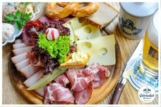Wenn es mal kein warmes Gericht sein soll, nimm doch einfach unser  Brotzeitbrettl mit Geraeuchertem, kaltem Braten, Schinkenspeck,  Bergkaese,  Butter, Essiggurkerl, frisch geriebenem Meerrettich und Bauernbrot.    Goerreshof - Dein bayerisches Restaurant in Muenchen   www.goerreshof.de #Goerreshof #bayerisches #Wirtshaus #Restaurant #Biergarten #Muenchen #Maxvorstadt #Schwabing #Augustiner #bayrisch #guad #Traditionshaus #bavarian #placetobe