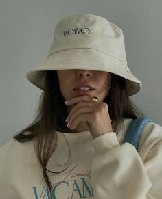 Outfits With Hats, Cute Outfits, Girl Fashion, Fashion Outfits, Womens Fashion, Mein Style, Insta Photo Ideas, Cute Hats, Facon