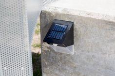 Diseño y construcción de Hito con panel informativo. Panel, Fitbit