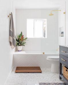 Escalera ante la bañera