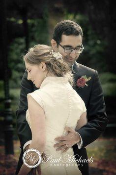 Wedding couple at botanical gardens. New Zealand #wedding #photography. PaulMichaels of Wellington http://www.paulmichaels.co.nz/