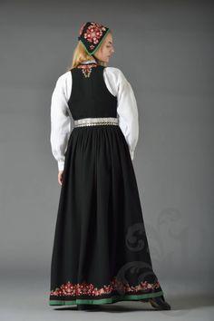 NYE VALDRESBUNAD Nye, Norway, Scandinavian, Costumes, Dresses, Hipster Stuff, Vestidos, Dress Up Clothes, Fancy Dress