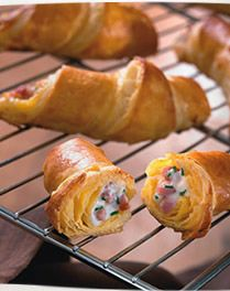 Mini-croissants met spekreepjes