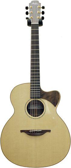 SIGNATURE THOMAS LEEB - GuitarShop, spécialiste de l'achat/vente guitare acoustique Lowden en ligne.