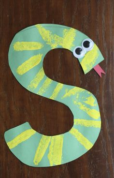 "S is for Snake: Alphabet Craft – I Can Teach My Child! This slithery snake is the perfect Alphabet Craft for the letter ""S"". Use a sponge to add some stripes, all while emphasizing the beginning /s/ sound!"