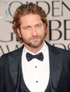 Gerard Butler - Golden Globes 2012 Red Carpet: Photo Gerard Butler looks spiffy in his tux at the 2012 Golden Globe Awards held at The Beverly Hilton Hotel on Sunday (January in Beverly Hills, Calif. Actor Gerard Butler, Good Looking Men, Perfect Man, Gorgeous Men, Pretty People, Golden Globes, Sexy Men, Hot Guys, Eye Candy